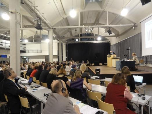 A Finnugor Népek VII. Világkongresszusán Lahtiban Két Napon Keresztül (június 16 – 17.)  5 Szekcióban Tanácskoznak A Résztvevő Küldöttek, Megfigyelők és Meghívott Előadók.